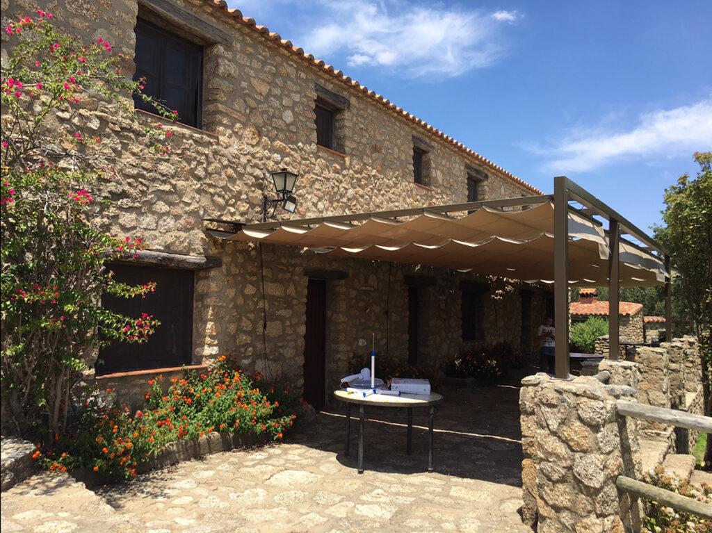 Fachada casa rural Virgen de la Cabeza